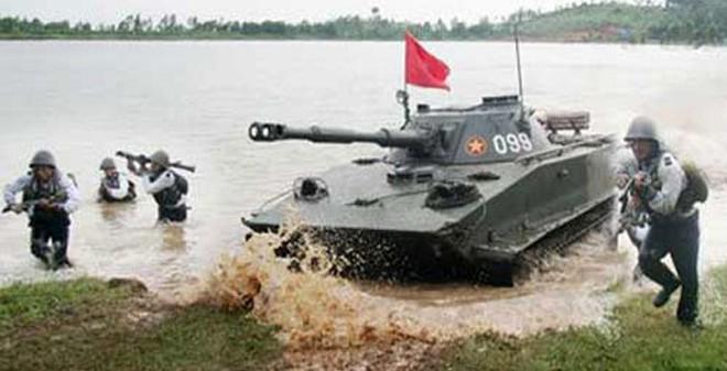 Xe tăng lội nước của Hải quân đánh bộ VN đã đến lúc cần đầu tư