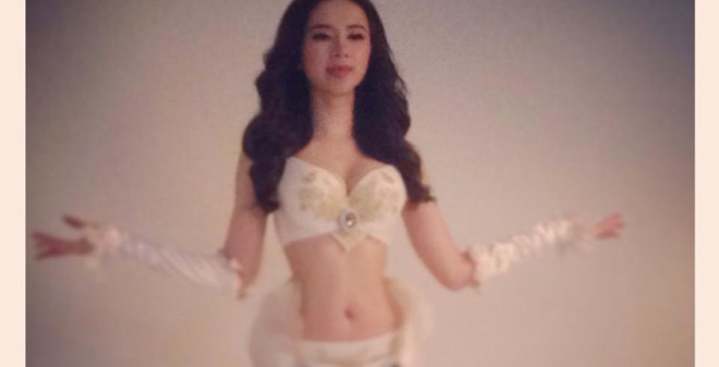 Angela Phương Trinh khoe đường cong sexy