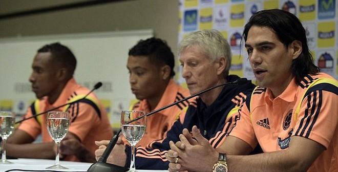 CHÍNH THỨC: Mãnh hổ Falcao nằm nhà xem World Cup
