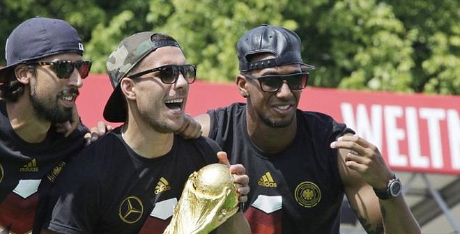 Podolski làm rõ tương lai của Sami Khedira