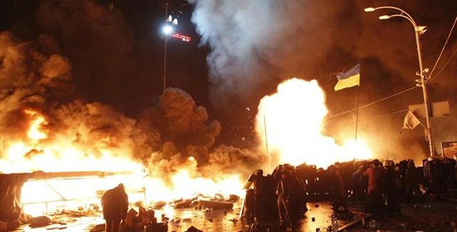 """""""Chiến tranh hạt nhân toàn cầu có thể bùng nổ từ bất ổn Ukraine"""""""