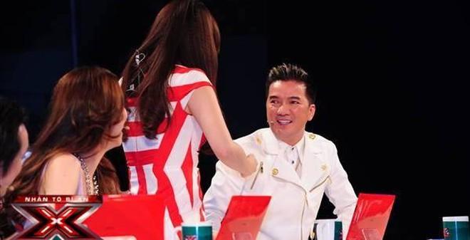 """X-Factor tập 2: Giám khảo """"chặt chém"""" nhau làm lu mờ thí sinh"""