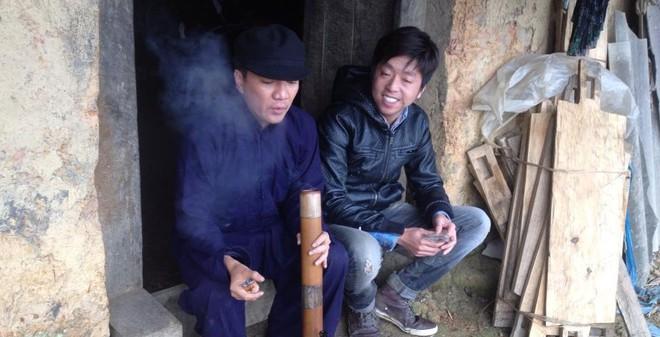 Đàm Vĩnh Hưng nghiện hút thuốc lào
