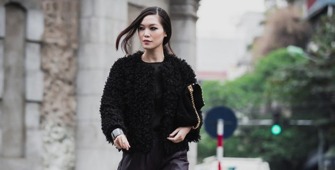 Hoa hậu Thùy Dung lạnh lùng bước trên phố