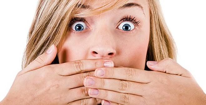 Mẹo trị hôi miệng, hôi nách, hôi chân cực nhanh và đơn giản