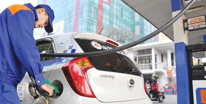 """Bộ Tài chính """"đòi"""" Bộ Giao thông giảm giá cước ô tô, taxi"""