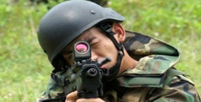 """Hải quân đánh bộ VN trang bị """"súng tốt nhất năm 2014"""" của Mỹ"""