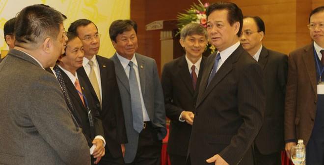 Thủ tướng Nguyễn Tấn Dũng: Ai chần chừ, mời làm việc khác