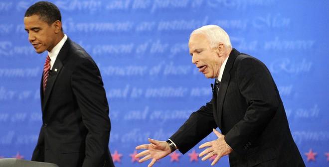 """Căng thẳng Ukraine: """"Obama, đừng nghe McCain xúi dại!"""""""