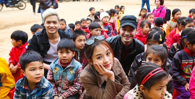 Nậm Mười trong tâm hồn 2 ca sĩ trẻ và hot girl Nhật ký Vàng Anh