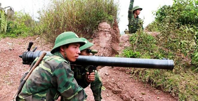 Quân đội Việt Nam đang sử dụng những loại súng không giật nào?