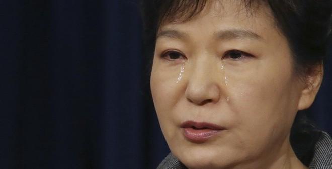 Tổng thống Hàn Quốc khóc nhận trách nhiệm vụ chìm phà Sewol