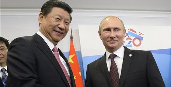 """Giúp Nga """"giải cứu"""" đồng Rúp, Trung Quốc thu lợi lớn"""