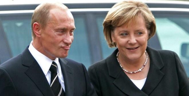 """""""Putin - Merkel như một cặp vợ chồng già, biết hết mánh của nhau"""""""