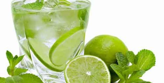 Những lợi ích đáng kể để bắt đầu buổi sáng bằng 1 cốc nước chanh