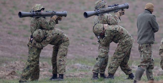 """Xem binh sĩ Mỹ - Nhật tập trận """"Bàn tay sắt"""""""