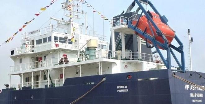 Tàu Việt Nam bị cướp tấn công: Thuyền viên bị thương đã tử vong