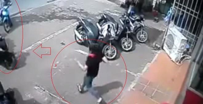 """Kẻ trộm xe SH trong 5 giây: """"Em chỉ cần đi trộm xe là đủ tiền để ăn tiêu"""""""