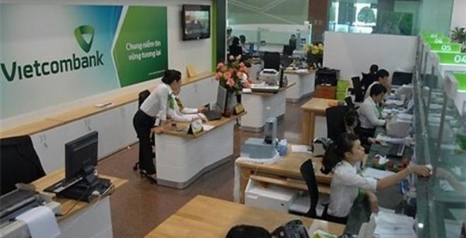 """Vietcombank trả lương """"khủng"""" từ sếp tới nhân viên"""