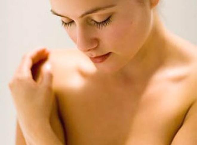 Những dấu hiệu trên ngực phụ nữ cảnh báo nguy hiểm