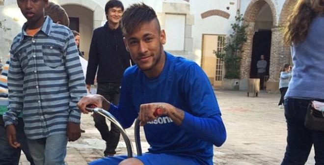 """Tròn mắt với """"siêu xe"""" của Neymar"""