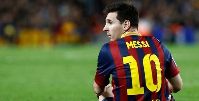 """""""Messi vĩ đại"""" làm gì được thế này?"""