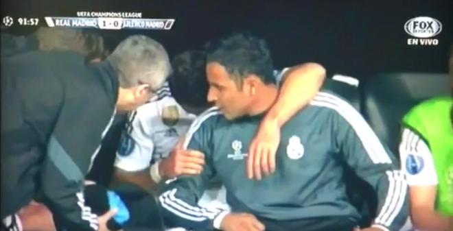 Chicharito khóc nức nở khi lập đại công cho Real