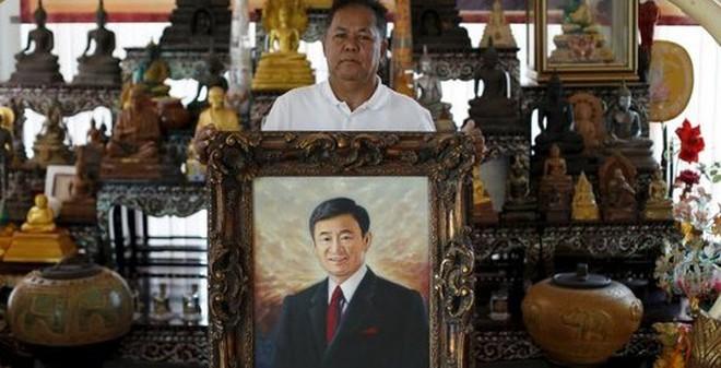 """Ông Thaksin khuyên phe áo đỏ """"giả chết"""""""