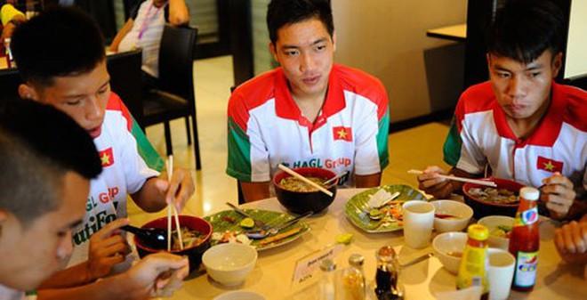 Phía sau chuyện thưởng nóng U19 Việt Nam của VFF