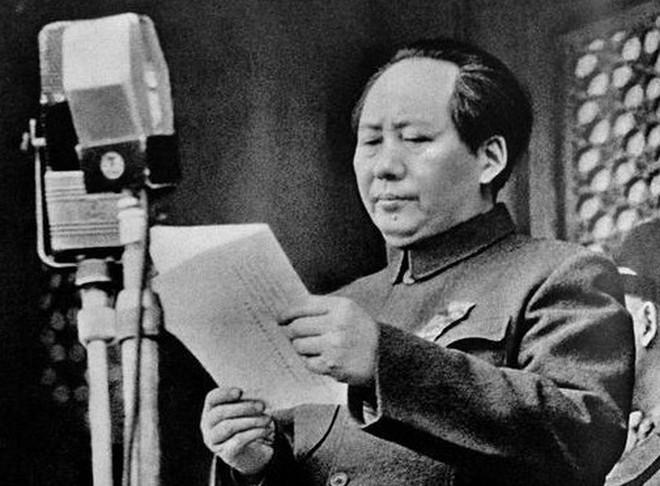 Vì sao Tưởng Giới Thạch 3 lần tìm cách phá mộ tổ Mao Trạch Đông?
