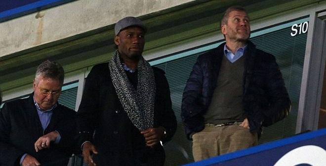 Guus Hiddink thực hiện hợp đồng gây sốc tại Chelsea