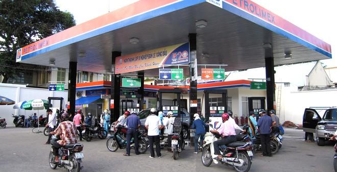 Hôm nay, giá xăng dầu trong nước tiếp tục giảm mạnh?