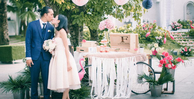 Đám cưới hồng hạc lãng mạn như phim của cặp đôi Hà Thành