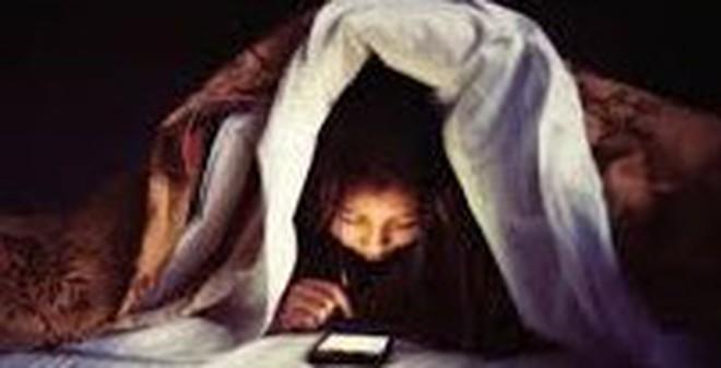 Những căn bệnh ung thư do ngủ gần điện thoại