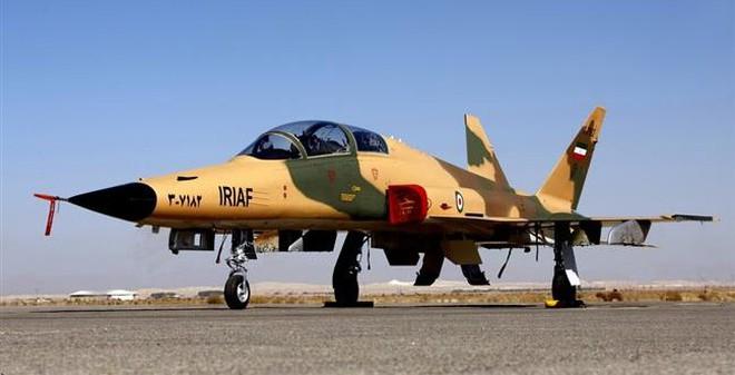 Iran ra mắt mẫu chiến đấu cơ tự chế thế hệ thứ 2