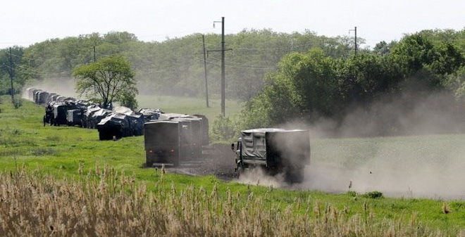 Ukraine: Quân Kiev và ly khai ùn ùn kéo vũ khí về Donbass