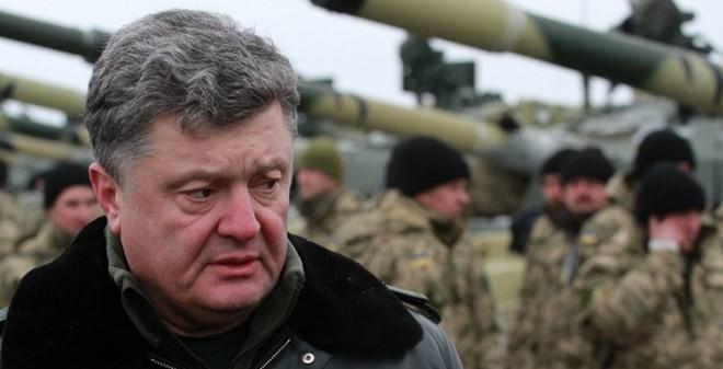 Tổng thống Ukraine tuyên bố quốc tang, ra lệnh tổng động viên
