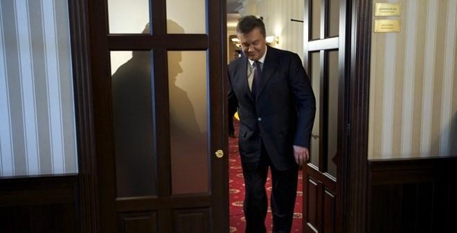 """Cựu Tổng thống Yanukovych """"thách"""" Ukraine thẩm vấn mình tại Nga"""