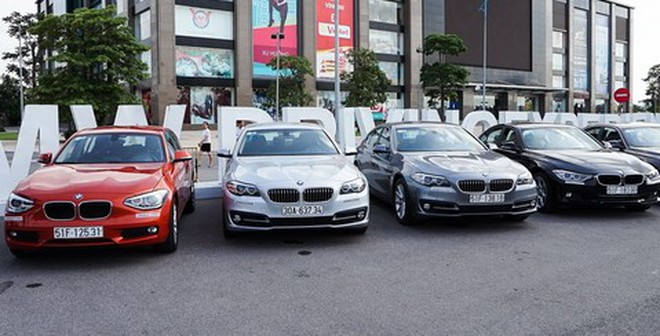 """""""Cơ quan thuế không cho giảm giá xe BMW"""""""