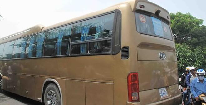 Xe khách biển số Campuchia tông thẳng xe máy, sản phụ tử vong