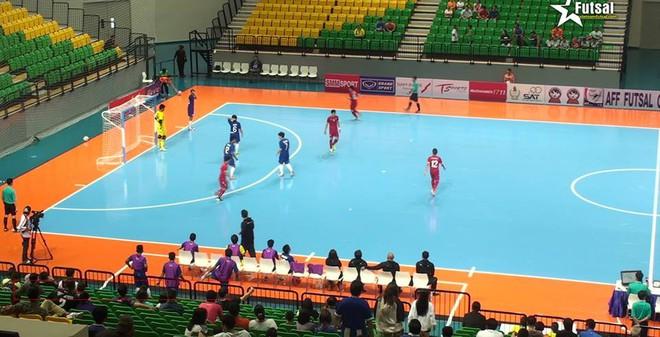 Đại thắng 19-1, ĐT Việt Nam vượt mặt Australia