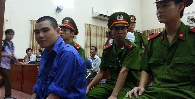 Xét xử vụ thảm sát ở Nghệ An: Bị cáo bình thản nhận án tử