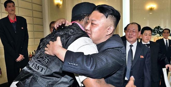"""""""Người bạn"""" tiết lộ cảnh tượng chấn động lần đầu gặp Kim Jong Un"""