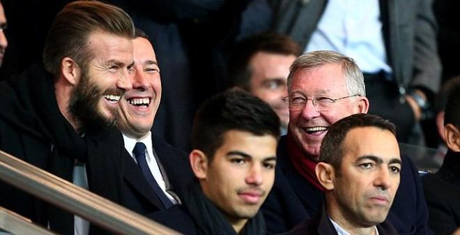 Beckham, Sir Alex cười phớ lớ xem PSG vs Chelsea