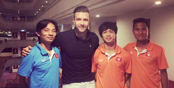 U23 Việt Nam bất ngờ đón vị khách đặc biệt
