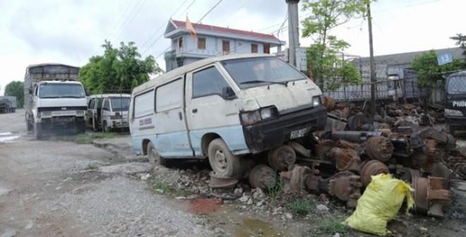 """""""Nghĩa địa xe ô tô"""" của những tỷ phú ở Bắc Giang"""