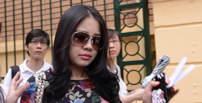 Người vợ xinh đẹp của bầu Kiên kiếm thêm 11,5 tỷ đồng