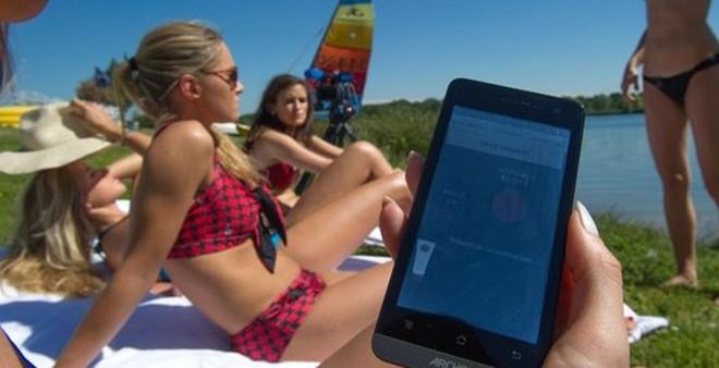 Xuất hiện bikini thông minh cho mùa hè không cháy nắng