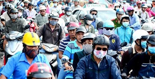 Lần đầu tiên kẹt xe hàng giờ trên đại lộ Phạm Văn Đồng