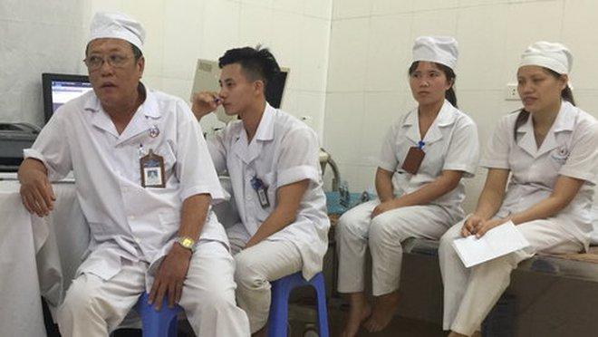 Bệnh viện hết tiền trả lương cho bác sĩ